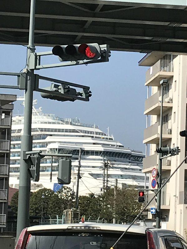 大きなクルーズ船🛳が佐世保港に(^^)